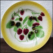 Plate Strawberry Basketweave Orchies 1880