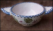 Large French Charolles Majolica Bowl no Quimper 1940