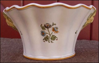 French majolica jardiniere planter wall vase moustiers 1960 for Decoration murale quimper