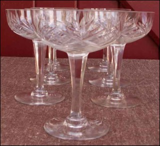 Sept coupes champagne chantilly cristallerie de saint louis - Verre saint louis prix ...
