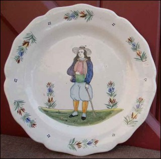 Little breton plate la hubaudiere grande maison quimper 1905 for Decoration maison quimper