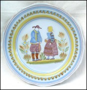 Couple of Bretons Scalloped Plate Henriot Quimper