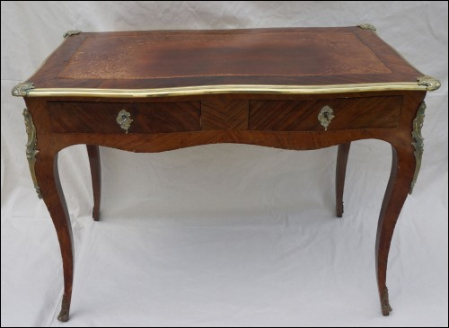Table bureau plat louis xv marqueterie bronze bois for Table bureau bois
