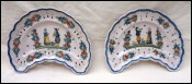 QUIMPER HR Crescent Scalloped Pair Plates Bagpipes Musicians Couple Bretons