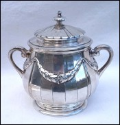 Louis XVI style Lidded Sugar Pot Silverplate Ribbon Gallia Paris 1910