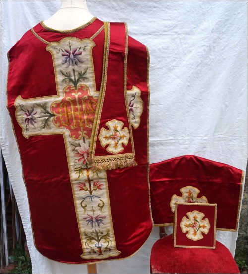 Set Chasuble Red Silk Needle Point Inlayed Stole Cover Chalice Burse 1880