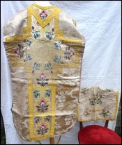 Set of Chasuble White Damask Flowered Silk Bread 18th C
