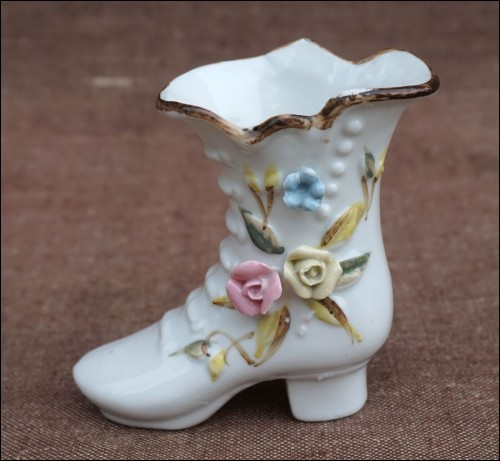 Gilt Porcelain Miniature Shoe Villenauxe 1920
