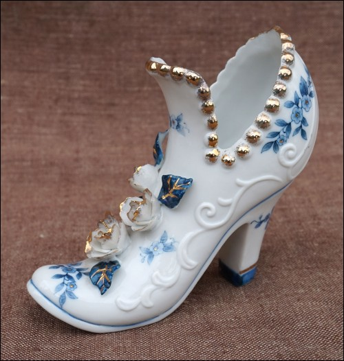 Cobalt Blue Gilt Porcelain Lady Miniature Shoe Valentine 19th C