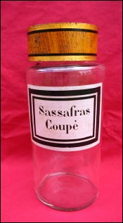 Apothecary Jar Clear Glass Painted Label Sassafras Coupe 19th C