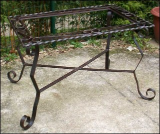 Table de jardin en fer forg des ann es 1950 for Table bar fer forge